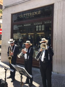 TRIO BRASS GUTTERIDGE